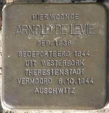 Arnold de Levie